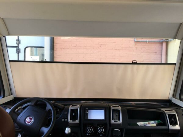 tenda a rullo privacy per parabrezza motorhome